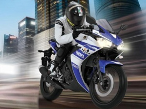 yamaha-yzf-r25-launch-image-pic-photo-gallery-21052014-m10_640x480